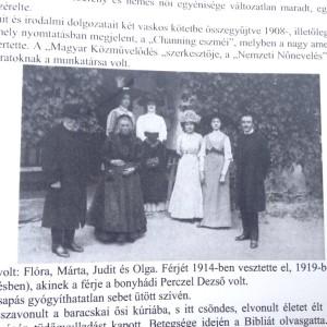 Flora-csaladja-1